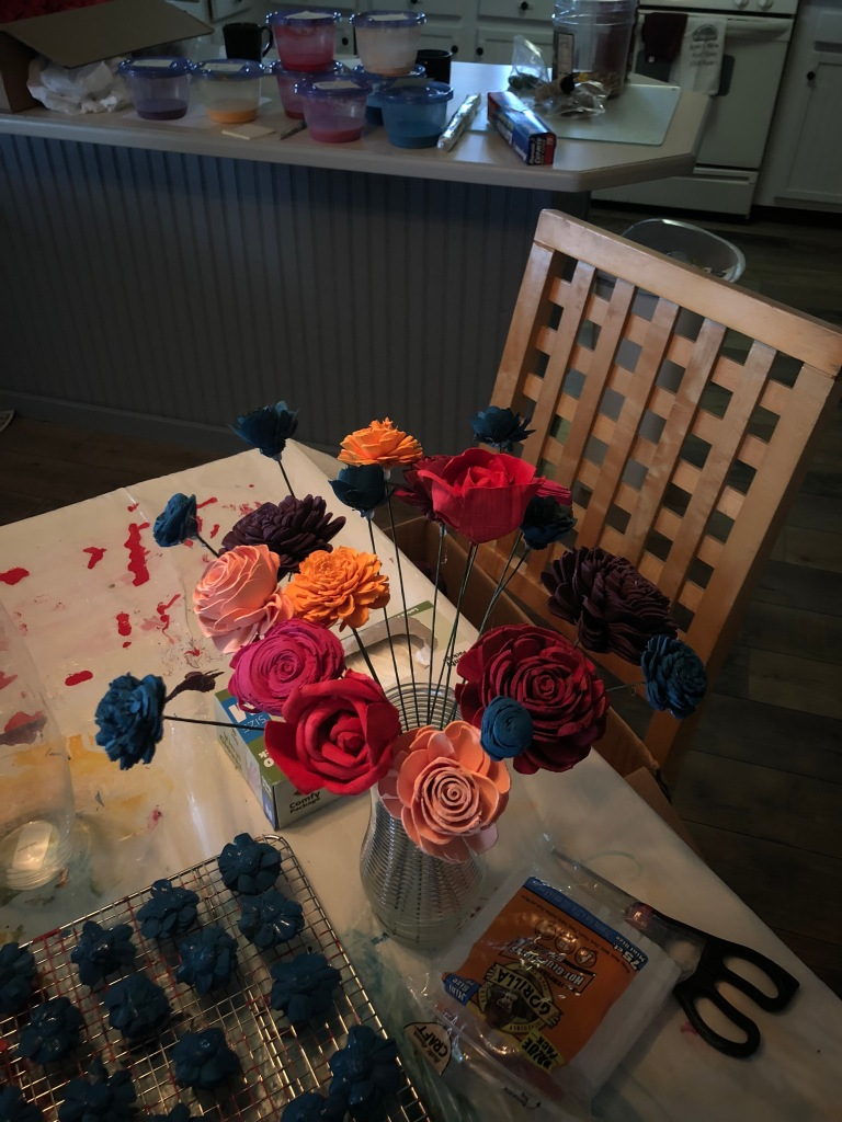 stemmed dyed sola wood flowers